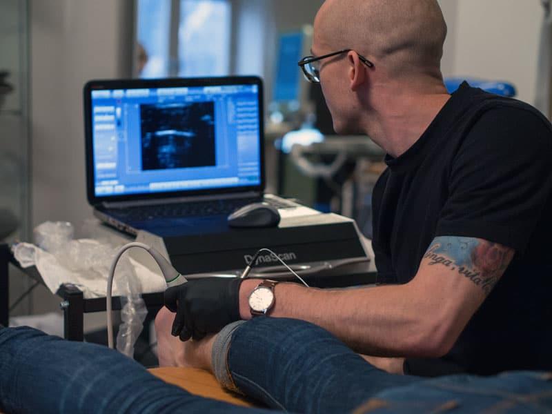 Epte, epi-behandling av fysioterapeut hos Ortomed