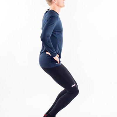 Knäböj, squat, på två ben med hälstöd